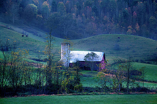 Smoky Mountain Barn Autumn by David Chasey