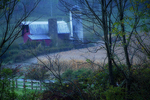 Smoky Mountains Barn by David Chasey