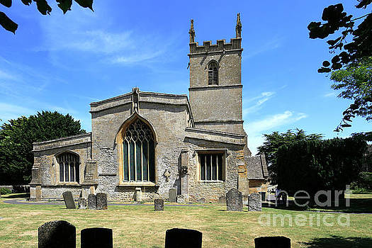 St Edwards parish Church, Stow on the Wold town by Dave Porter