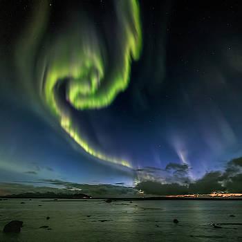 Swirl by Frank Olsen