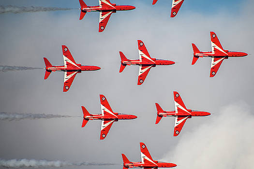 Ross G Strachan - The RAF Red Arrows
