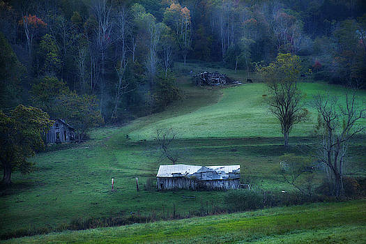 Weathered Barn Smoky Mountains by David Chasey