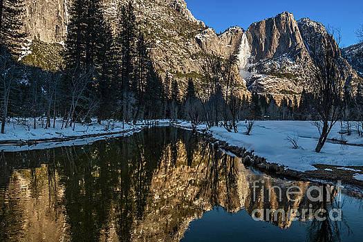 Winter views of spectacular Yosemite National Park by Jamie Pham
