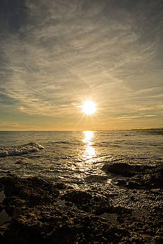 Nice sunrise in the mediterranean by Vicen Photography