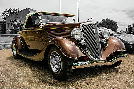 1934 Ford Deluxe Cabriolet Roadster by John Bartelt