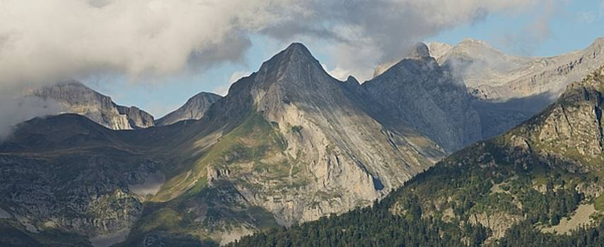 Ossau Valley Panorama by Stephen Taylor