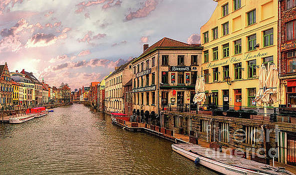 3 nights in Brugge No 5 Ghent by Leigh Kemp