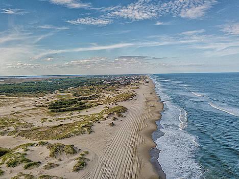 4x4 Beach near Corolla, NC - OBX by Peter Ciro
