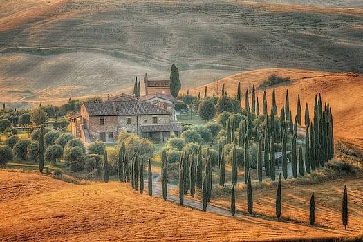 Asciano, Tuscany - Italy by Joana Kruse