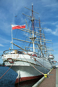 Ramunas Bruzas - A Hundred Year Old Ship
