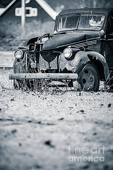 Edward Fielding - Abandoned Old Pickup Truck on a Farm in Vermont