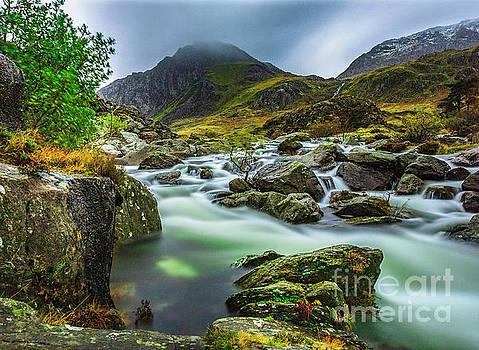 Afon Ogwen by David MM Williams