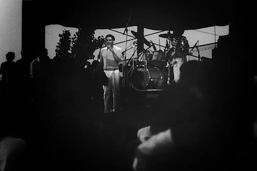 Al Jarreau by Tom Kiebzak