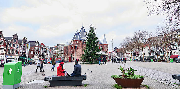 Amsterdam Christmas by Charles Quiles