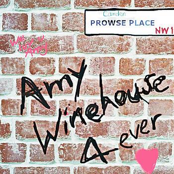 Enki Art - amy winehouse Camden