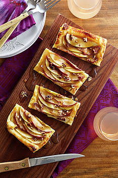 Apple Pear Tarts by Cuisine at Home