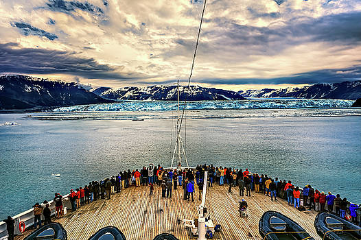 Approaching Hubbard Glacier by Maria Coulson
