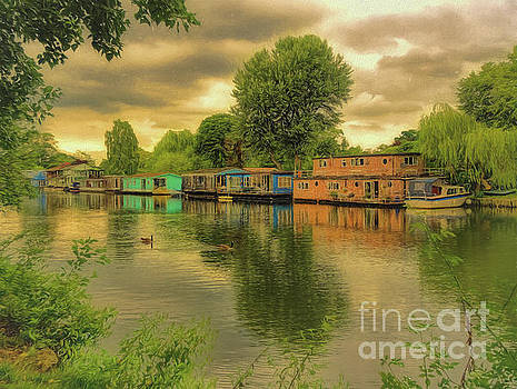 At home on the river by Leigh Kemp