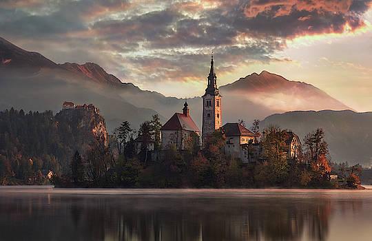 Autumn morning at Bled lake by Marek Ondracek