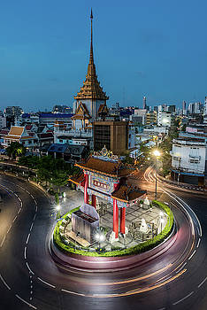 Bangkok Traffic Circle by Ian Robert Knight