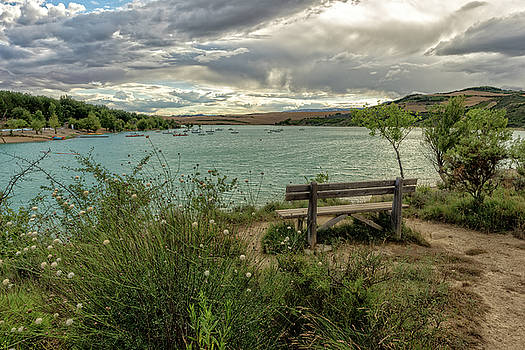 Bank on the lake by Vicen Photography