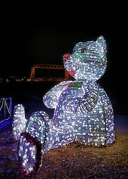 Susan Rissi Tregoning - Bear at the Duluth Lift Bridge