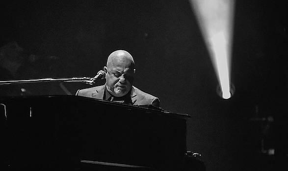 Billy Joel in concert by Alan Goldberg