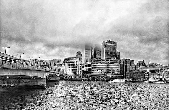 Black and White London Bridge Scene by Zahra Majid