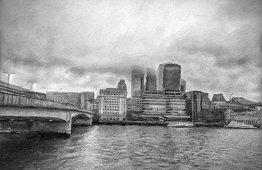 Black and White London Bridge by Zahra Majid