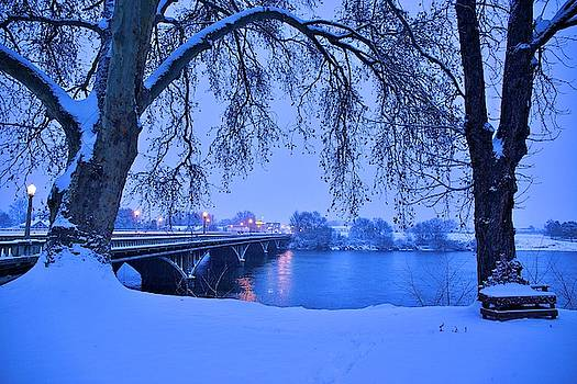 Blue morning with snow on the Yakima River by Lynn Hopwood