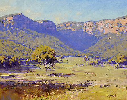 Bluffs of the Capertee Valley by Graham Gercken