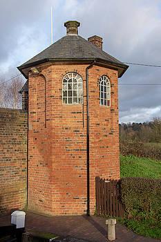 Bratch Locks toll house by Steev Stamford