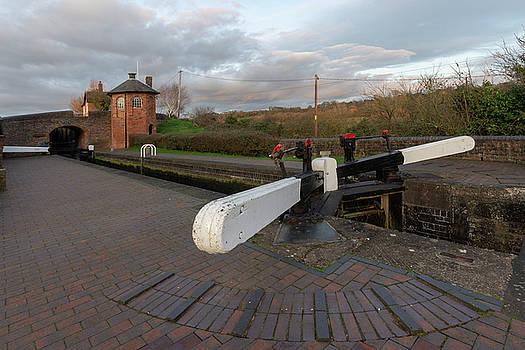 Bratch Locks wide angle by Steev Stamford