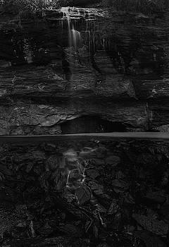 Julieta Belmont - Bridal Veil waterfall