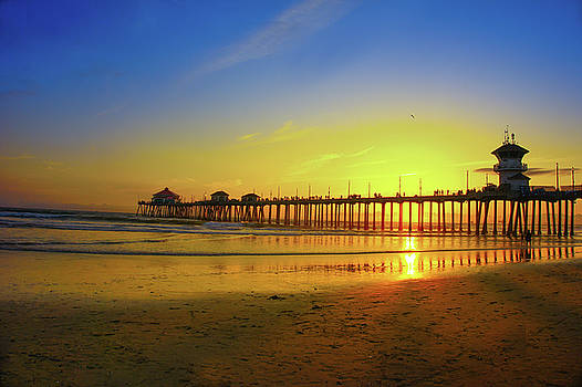 Bright Sunset At Huntington Beach by Art Spectrum