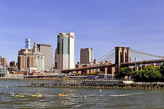 Brooklyn bridge and Manhattan skyline series by Geraldine Scull