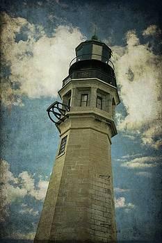 Buffalo Lighthouse by Guy Whiteley