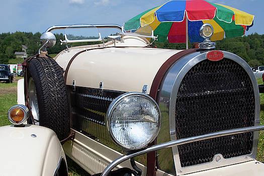 Bugatti by Rik Carlson