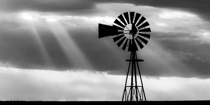 Rob Graham - BW Windmill and Crepuscular Rays -01