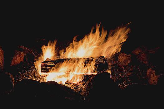 Julieta Belmont - Campfire