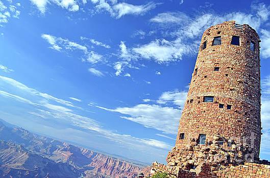 Canyon Tower by La Dolce Vita