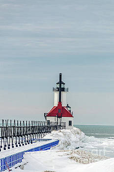 Catwalk and Lighthouses by Sue Smith