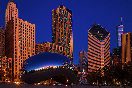 Chicago's Bean at Chistmas by Andrew Soundarajan