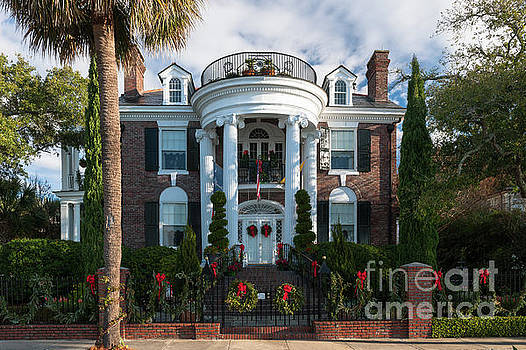 Dale Powell - Christmas in Charleston - Battery Home
