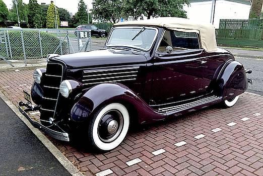Classic Car by Nik Watt