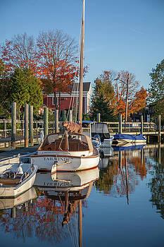 Cliff Wassmann - Classic Wooden boat in Mystic River harbor