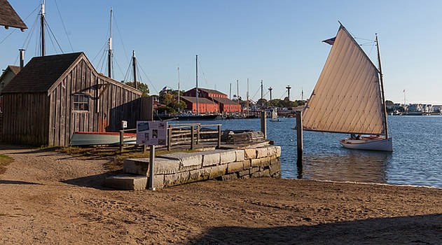 Cliff Wassmann - Classic Wooden boat sailing in Mystic Seaport