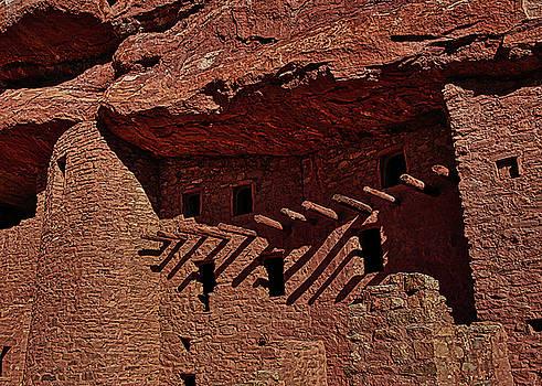 Cliff Dwellings 1 by Ernie Echols