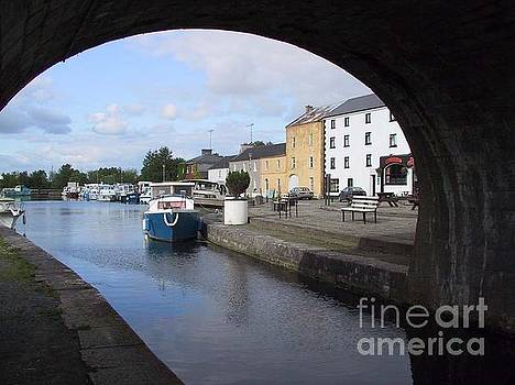 Cloondara,A Shannon by way. by Val Byrne