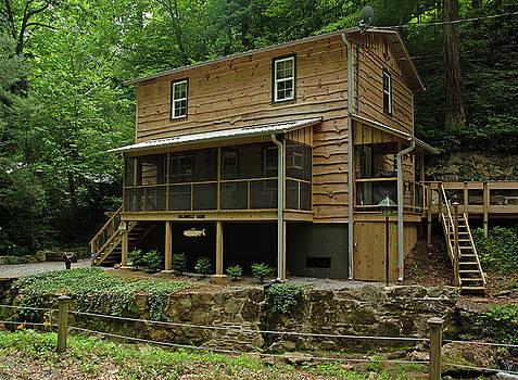 Colannelli Cabin 2012 Color by Joseph C Hinson